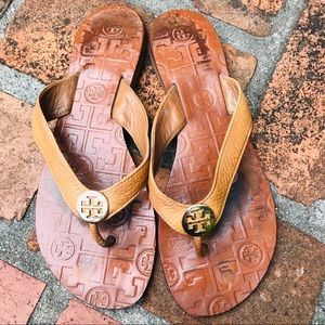 Tory Burch Thora leather thongs size 7